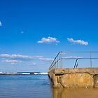 Beach Pool - public pools at Bulli, Australia by TMphotography