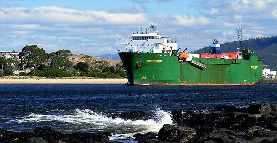 Searoad Mersey departs Devonport by Cody Williams