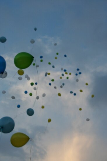 Fly away balloons by Samie-B