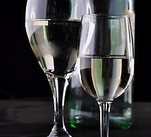 Bottle & Wine by alanbrito