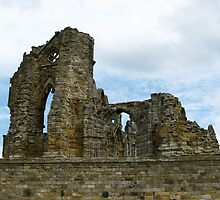 Whitby Abbey by eastermoon