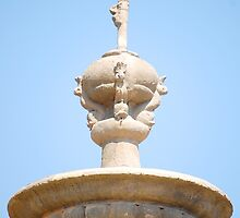 Fort Ilocandia Resort Fountain (Telephoto zoom) by walterericsy
