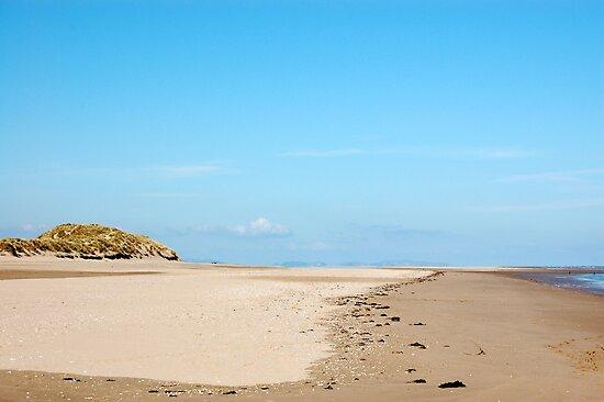 Talacre Beach by Rayworsnop
