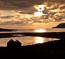 Golden views from old Scatness by Shaun Whiteman