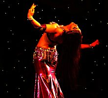 Bellydancer in pink, International Bellydance Congress, UK by Anne Kingston