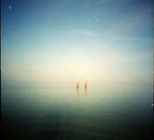 2 blue- beach pinhole by Lupinol