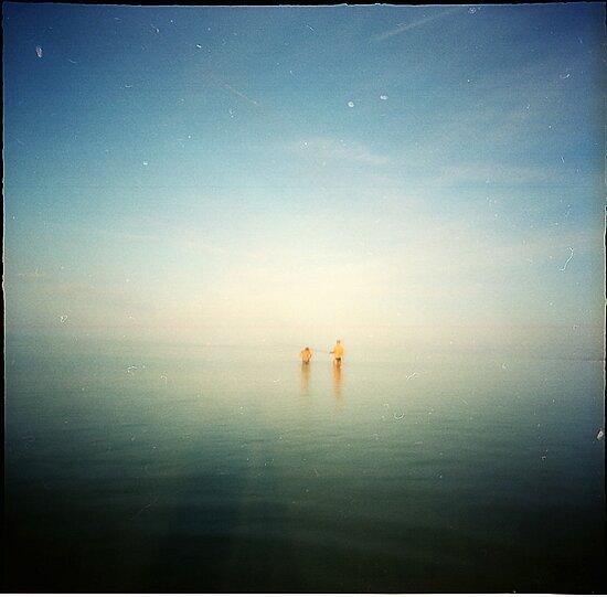 2 blue- beach pinhole by Lupinol