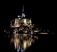 Le Mont Saint Michel by Julien Tordjman