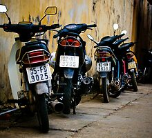 A few mopeds in Vietnam by jasonplucas