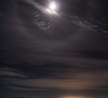 Moon Halo and Adelaide Glow by pablosvista2