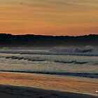 Morning Surf in Warrnambool by dazzleng