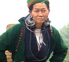 Hmong Woman by Valerie Rosen