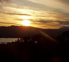 Sunrise over the Columbia River #16 by Dawna Morton