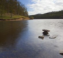 Rocks, Ladybower Reservoir. by Nick Atkin