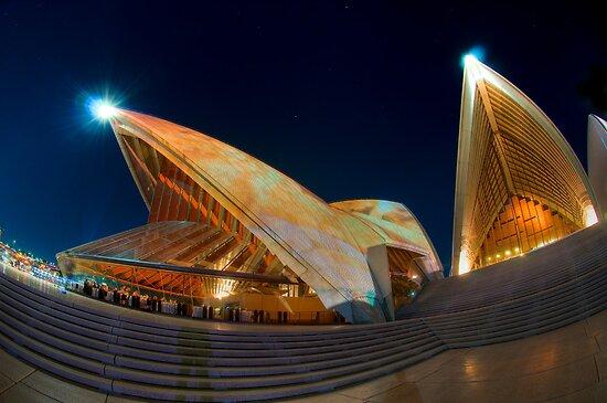 Opera House lit for Vivid Sydney 2010 by Erik Schlogl