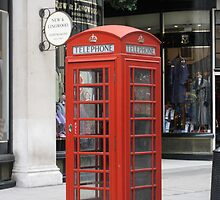 London Phone Booth by jtalia