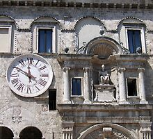 Palazzo dei Capitani del Popolo by hjaynefoster