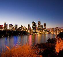 Brisbane at Magic Hour - Kangaroo Point by liming tieu