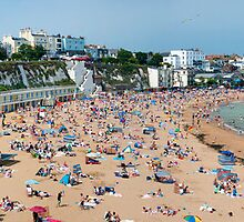 Broadstairs Beach: Panoramic View by DonDavisUK