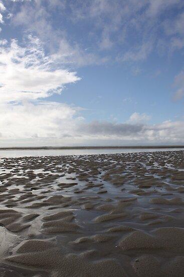 Rippled Beach - Moreton Island  by Bami