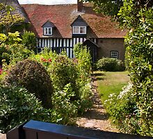 Old Bay Cottage by Geoff Carpenter