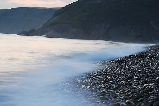 Newgale, high tide by Spenser Davies