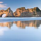 Archway Islands by Paul Mercer