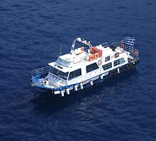 Tender leaving Santorini-back to the ship by Patricia127