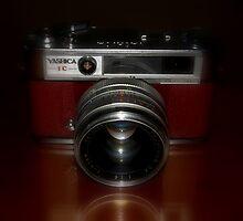 vintage (Yashica IC Lynx-14 E) by Loreto Bautista Jr.