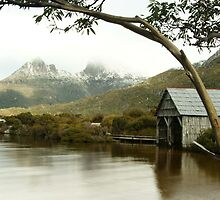 Dove Lake Boathouse and Cradle Mountain by michellerena