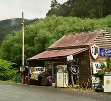 Wood's Point Service Station by Joe Mortelliti