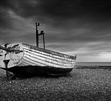 Two Belles, Aldeburgh Beach, Suffolk by DaveTurner