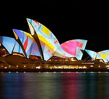 Vivid Sydney 2010: Lighting the Sails by Andi Surjanto