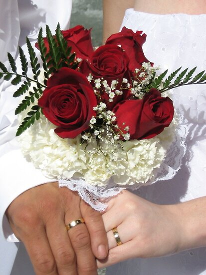 Red roses and wedding rings by iheartrhody