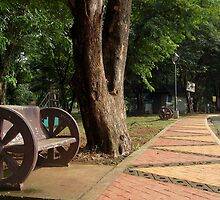Quezon Memorial Circle bench 4 by walterericsy