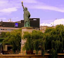 The statue of Liberty   Ilse des Cygnes by Rusty  Gladdish