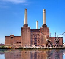 Old London Powerstation - London, United Kingdom by Mark Richards
