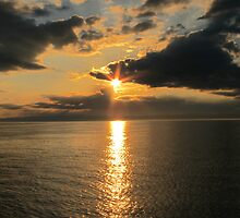 Sun Set on Lake Superior by bountified
