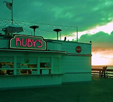 Ruby's on Newport Pier by LynnL