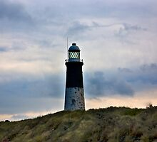 Spurn Head Lighthouse. by Trevor Kersley