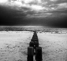 Bleak beach - Bridlington, UK by Andy Beattie