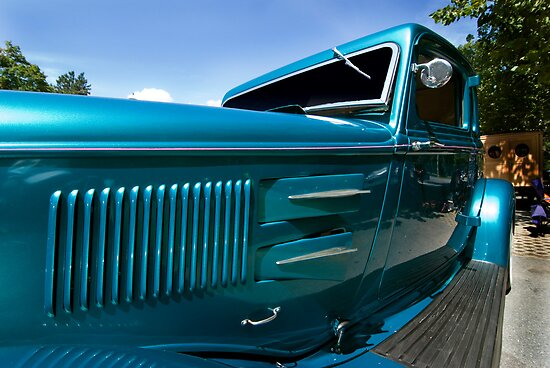 30's Plymouth by barkeypf