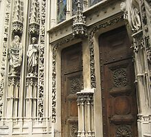 Between Saints and Empty Pedestals - Lausanne, CH by Danielle Ducrest