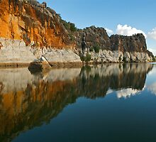 Giekie Gorge by Peter Hodgson