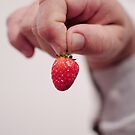 Strawberry. by Mylla Ghdv