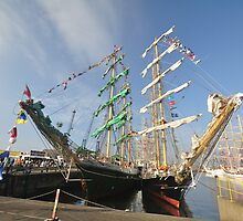 Hartlepool Tall Ships 2010 by yaffa