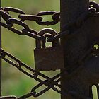 lock and chain by creativegenious
