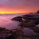 Dawn Breaker - Kiama Sunrise by Matt  Streatfeild