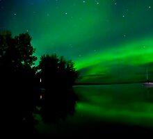 Lakeside Auroras by peaceofthenorth