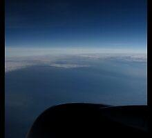 Horizon at 35,000 feet by Limajo